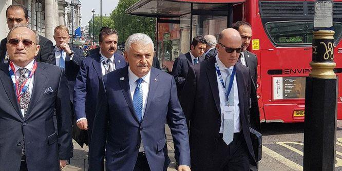 Başbakan Yıldırım Londra'da yürüyüş yaptı