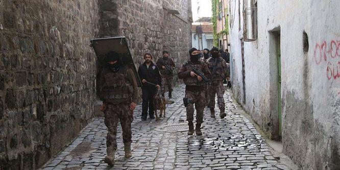 Diyarbakır'da hava destekli uyuşturucu operasyonu