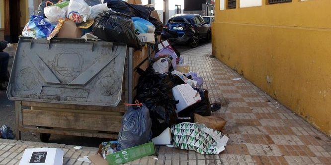 Fransa'da çöpçülerden grev