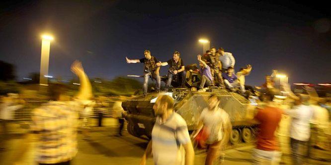 İstanbul'daki ana darbe davası yarın başlıyor