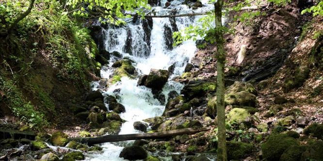 Yedigöller'de iki mevsim bir arada yaşanıyor
