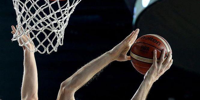 Basketbolda play-off'a son bilet