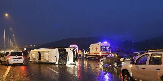 Ankara'da zincirleme trafik kazası: 7 yaralı