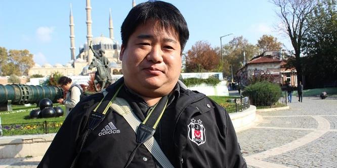 Güney Koreli gazeteci koyu Beşiktaşlı