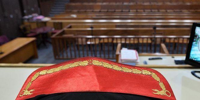 Meslekten ihraç edilen 162 hakim ve savcıya FETÖ davası