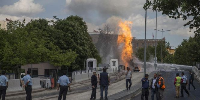 Ankara Adliyesi önünde doğalgaz patlaması