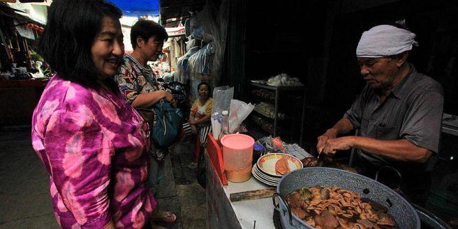 Endonezya'da Çinlilerin uğrak yeri: Sürüngen eti pazarı