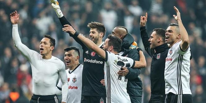 Beşiktaş-Porto maçı Portekiz basınını salladı