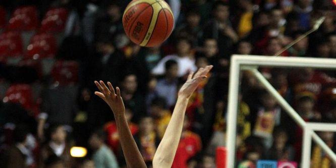 FIBA, kadın basketbolculara başörtüsünü serbest bırakacak