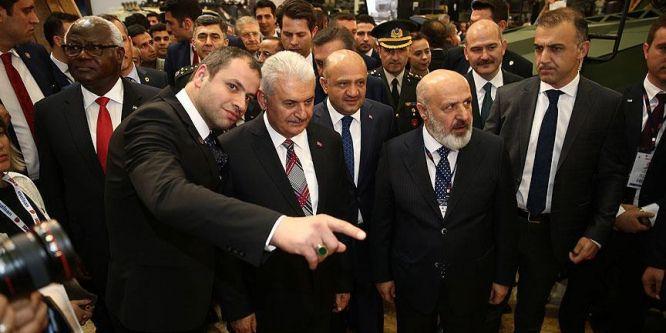 Başbakan Yıldırım, IDEF 2017 Fuarı'nı gezdi