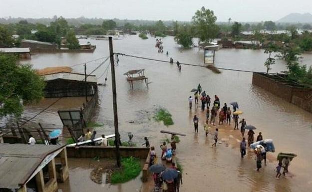 TİKA'dan Mozambik'teki afet bölgesine yardım