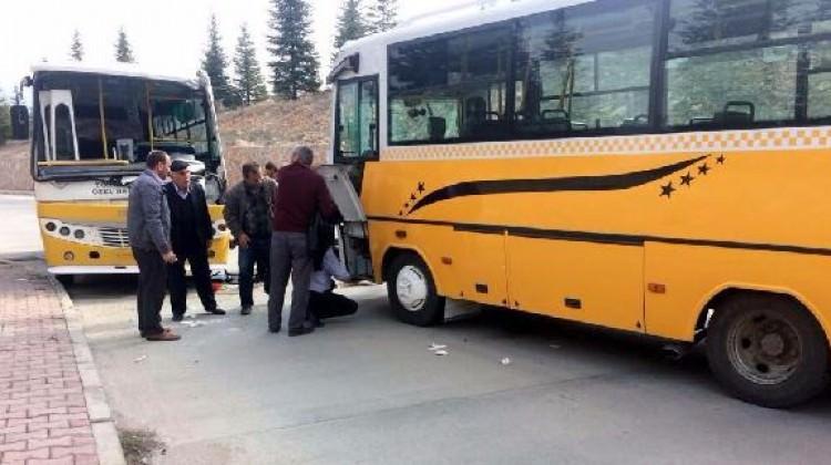 Tokat'ta yolcu minibüsleri çarpıştı! Yaralılar var