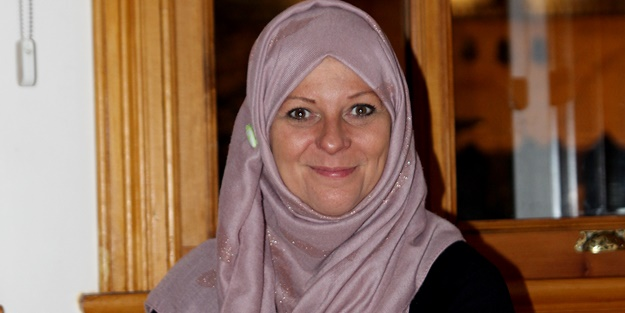 Tony Blair'in İslamiyet'i seçen baldızı Lauren Booth İstanbullu oldu