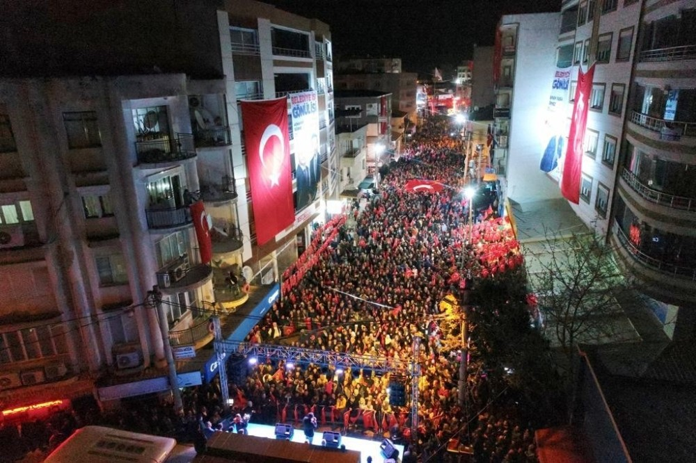 TORBALI'DA GÖVDE GÖSTERİSİ