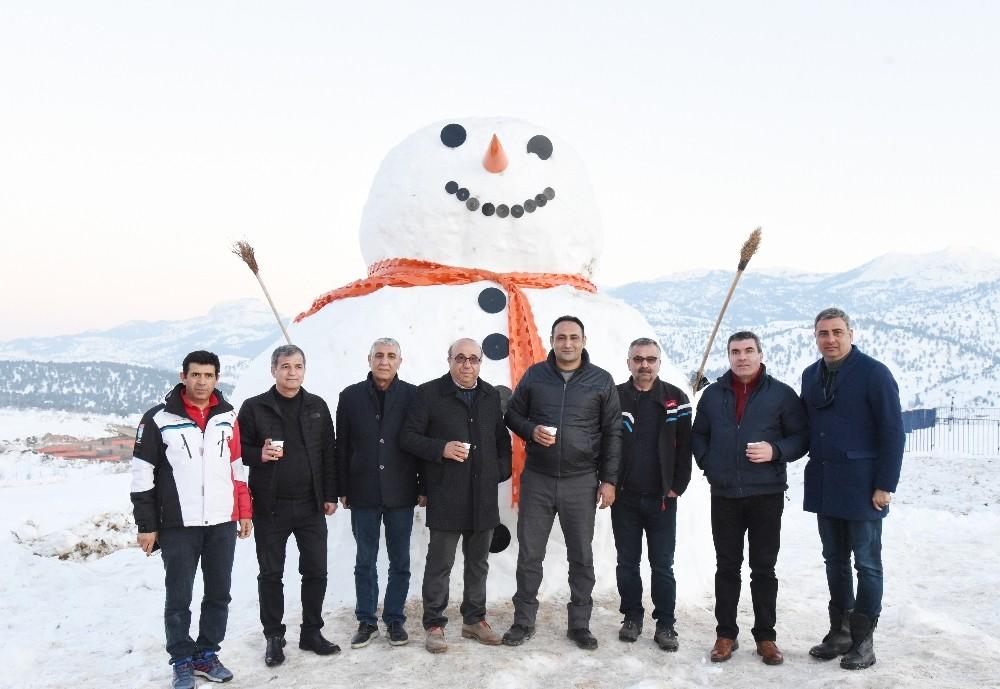 Toroslar'da 'Kar festivali' heyecanı