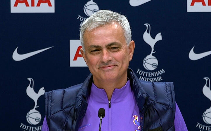 Tottenham'ın yeni teknik direktörü Jose Mourinho kırdı geçirdi!
