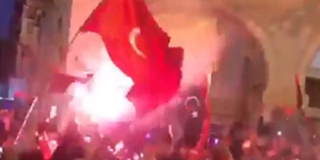 Trablus'ta 17 Şubat Devrimi Türk bayraklarıyla kutlandı