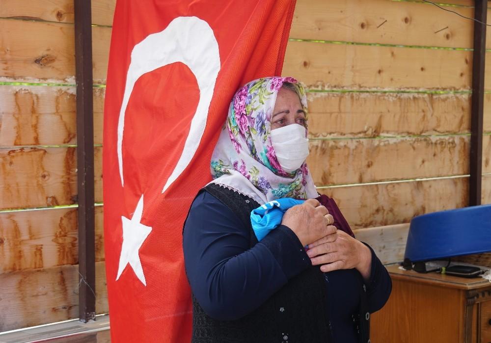 Trabzonspor Başkanı Ahmet Ağaoğlu Şehit Halit Avcı'nın ailesini ziyaret etti