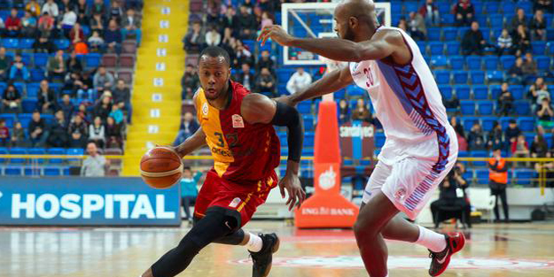 Trabzonspor- Galatasaray'ı farklı mağlup etti