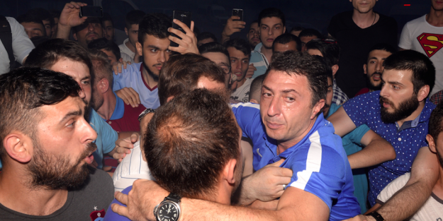 Trabzonspor kafilesine olaylı karşılama