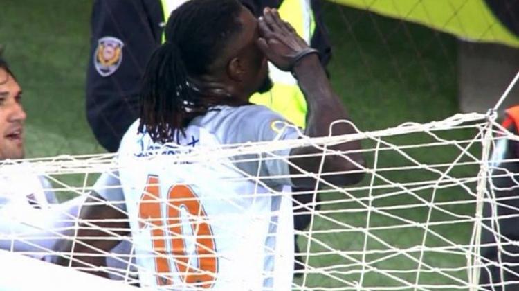Trabzonspor taraftarı Emmanuel Adebayor'u alkışladı!