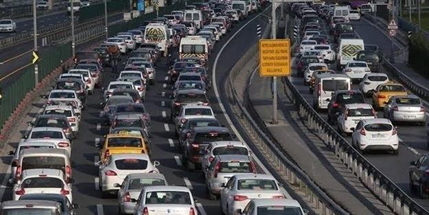 Trafiğe kaydı yapılan taşıt sayısı neredeyse yarı oranda arttı
