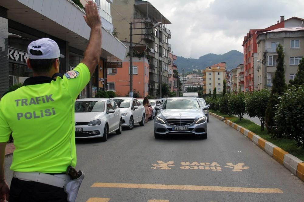 Trafik kurallarına karşı sürücüler ve yayalar bilgilendirildi