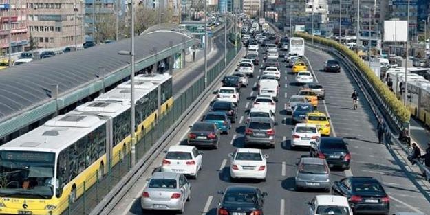 Trafikte yeni dönem başlıyor! Mesai saatleri değişecek