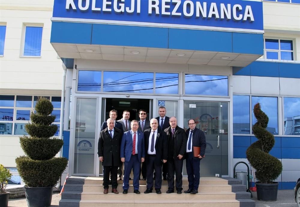 Trakya Üniversitesi ile Kosova Rezonanca Tıp Bilimleri Üniversitesi arasında iş birliği anlaşması