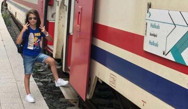 Tren kazasında hayatını kaybeden 9 yaşındaki Oğuz Arda defnedildi