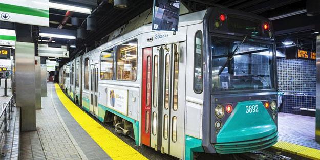 Treni yalayan şahıs yüzünden tren hizmetten kaldırıldı