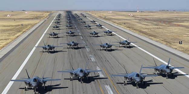 Trump '52 hedef vurulabilir' demişti! 52 adet F-35 savaş uçağı havalandı