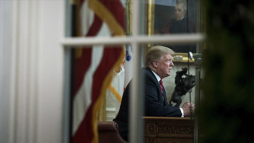 Trump'tan azil soruşturmasına 'darbe' benzetmesi olarak değerlendirdi