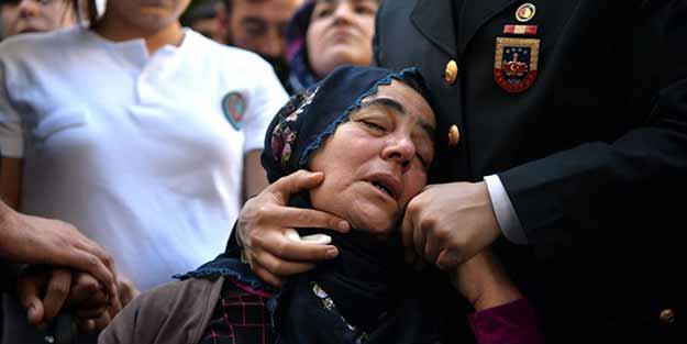 Tunceli'de şehit olan iki asker Mersin'de uğurlandı