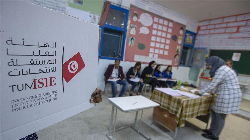 Tunus'ta parlamento seçiminii Nahda Hareketi kazandı