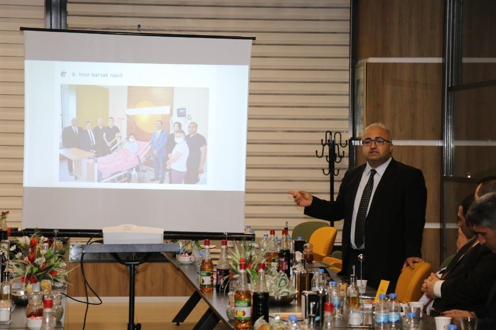 Turgut Özal Tıp Merkezi'nde iftar yemeği