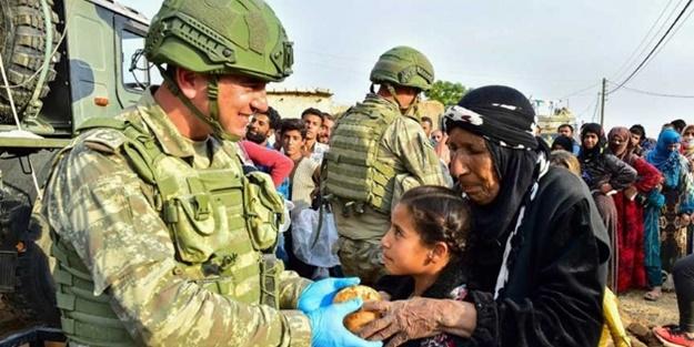 Türk askeri bölgeye huzur getirdi