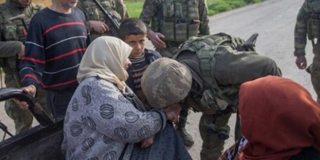 Türk askerleri gittikleri yerlerde sivilleri böyle hedef alıyor!