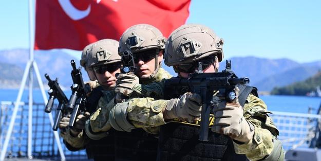 Türk Deniz Kuvvetleri'nin görülmemiş harekat temposu ve Yunanistan'ın güçsüzlüğü