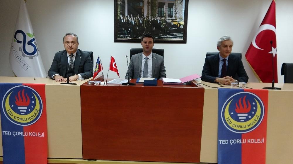 """Türk Eğitim Derneği Genel Başkanı Pehlivanoğlu: """"Genç nüfus böyle giderse fırsat değil, tehdittir"""""""