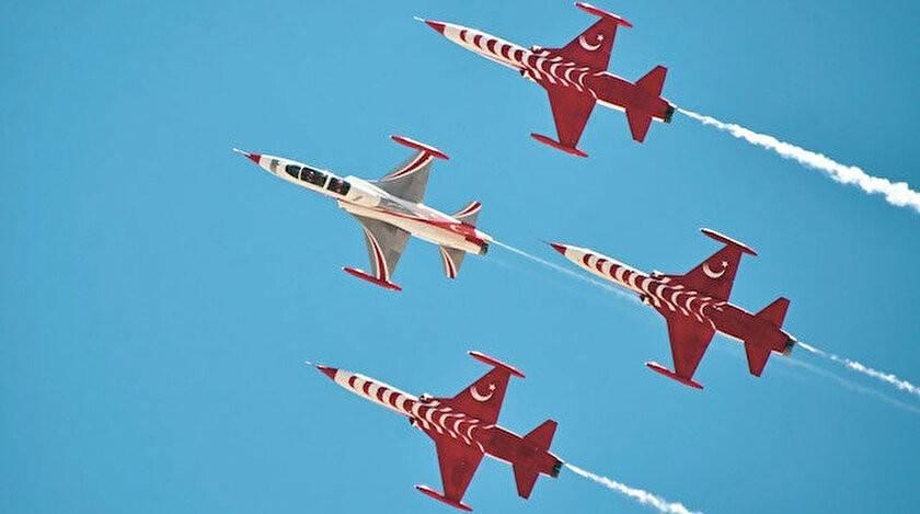 Türk ve Azerbaycan pilotları nefes kesti
