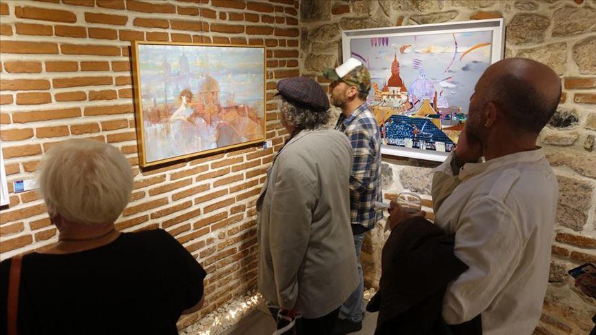 Türk ve Rus sanatçılar ortak sergi açtı