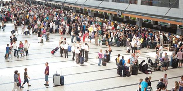 Türkiye 10 ayda yaklaşık 14 milyon ziyaretçi ağırladı! Korona önlemi turiste güven verdi