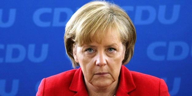 Türkiye'nin zaferi sonrası Merkel'den uyarı!