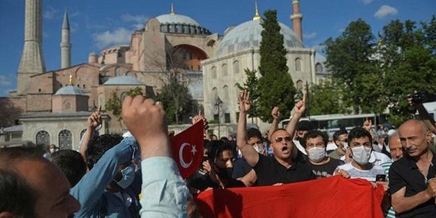 Türkiye, Ayasofya Camii için baskı ve tehditlere boyun eğmedi!