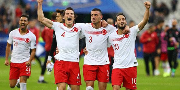 Türkiye ile İtalya maçına ilişkin karar verildi! Seyircili oynanacak mı?