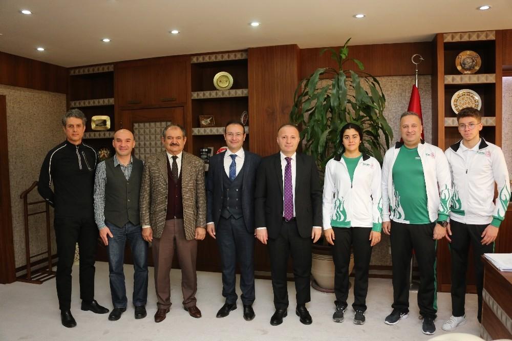 Türkiye Triatlon Federasyonu ile AÜ arasında örnek işbirliği