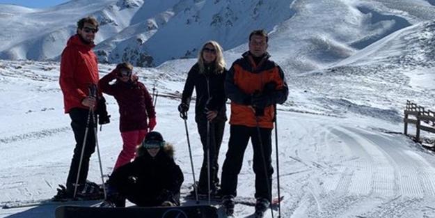 Türkiye yastayken kayak tatili yapmaya giden İmamoğlu'na CHP'li isimden tepki!