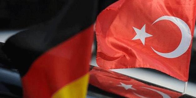 Türkiye'den Almanya'ya çifte şok