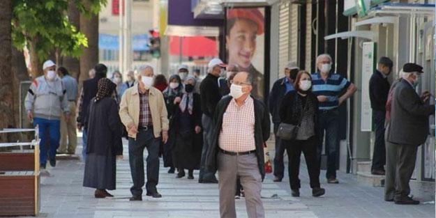 Türkiye'den son bilanço açıklandı! Vaka sayısı kritik eşiğe dayandı